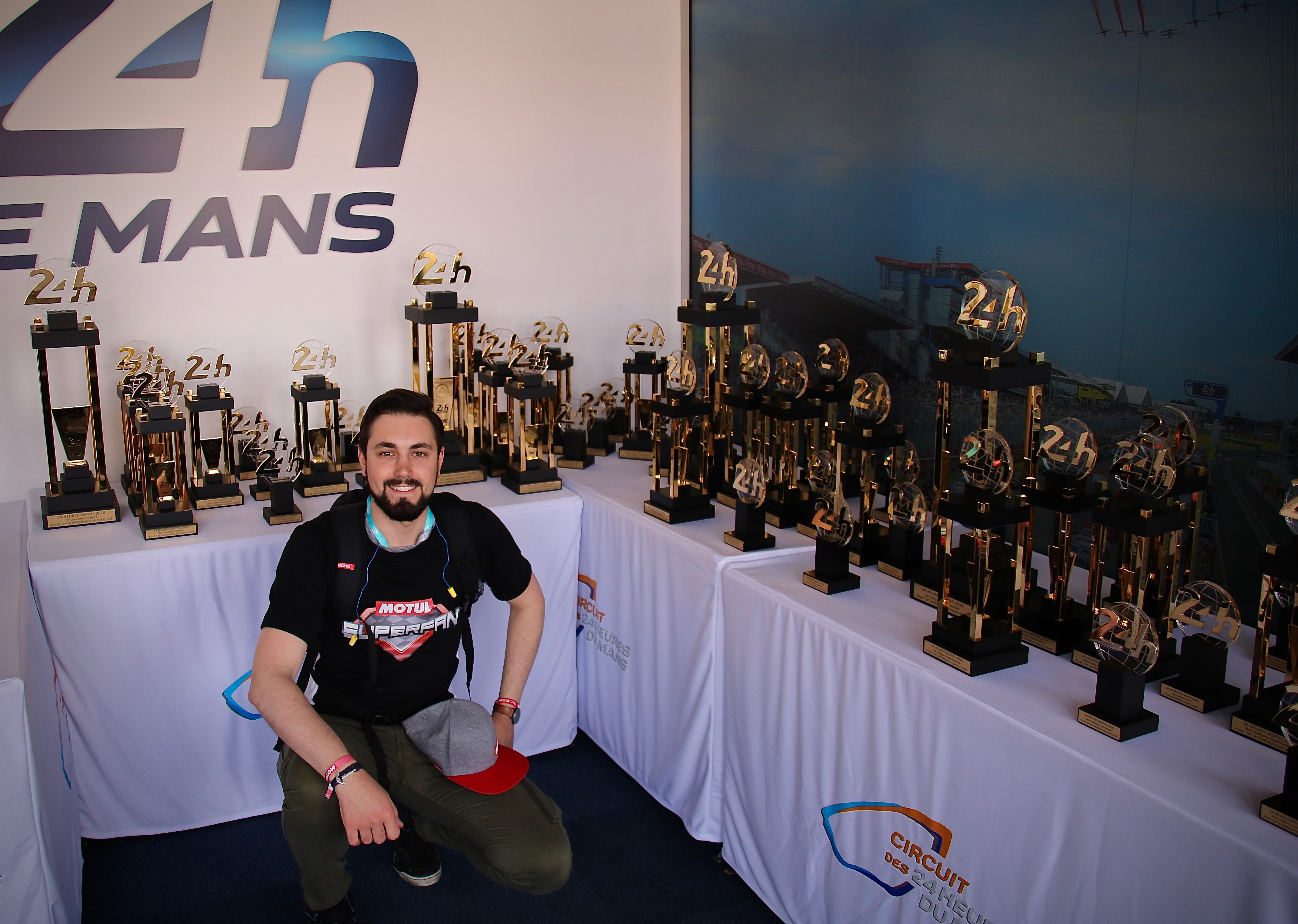 Pour la première fois au 24 Heures Moto, un MotulSuperFan a été invité pour l'événement. Robin Giella, un pilote amateur enthousiaste et passionné de sport mécanique l'a révélé !