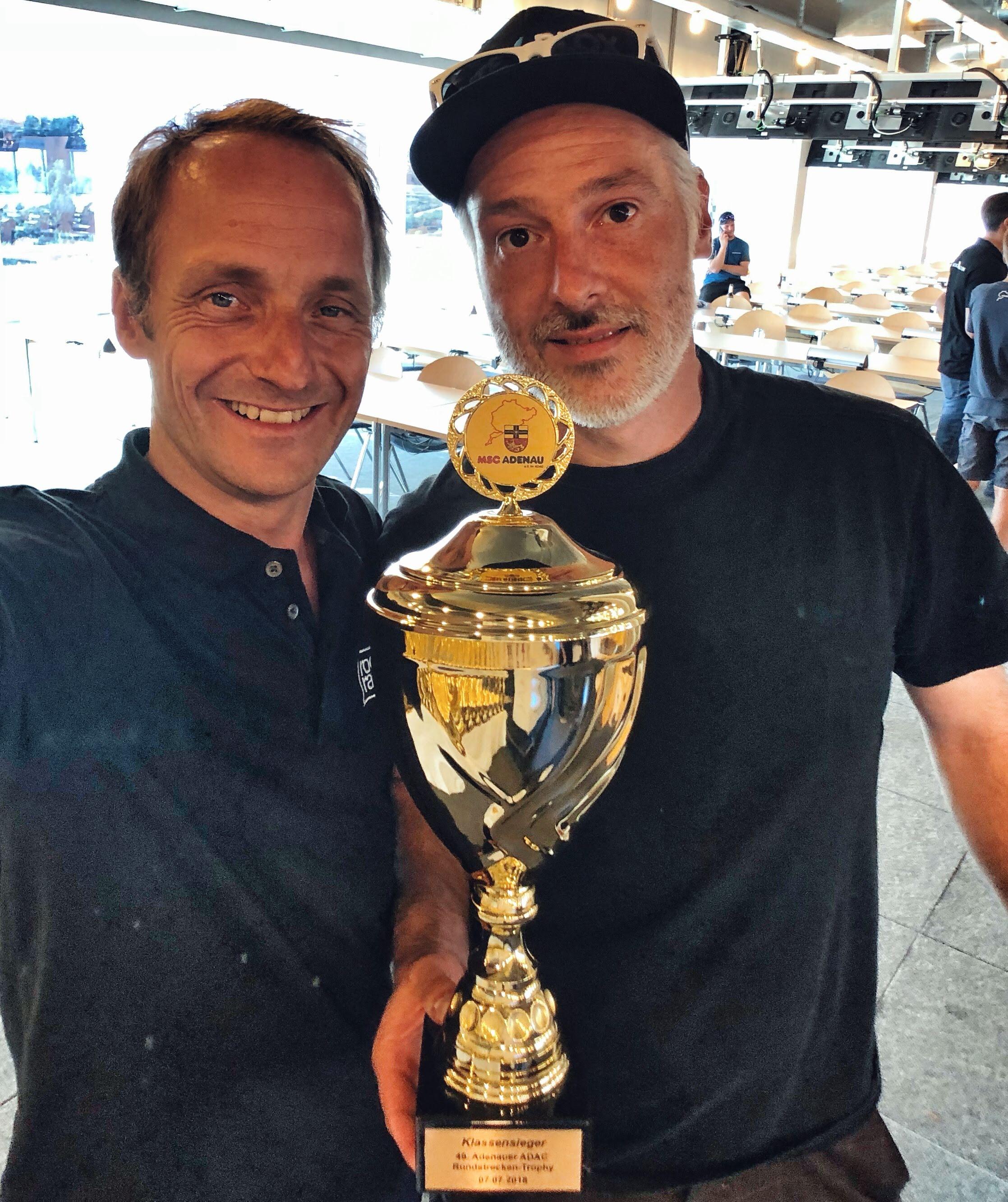Tim Schrick und Roots Racing erneut auf P1