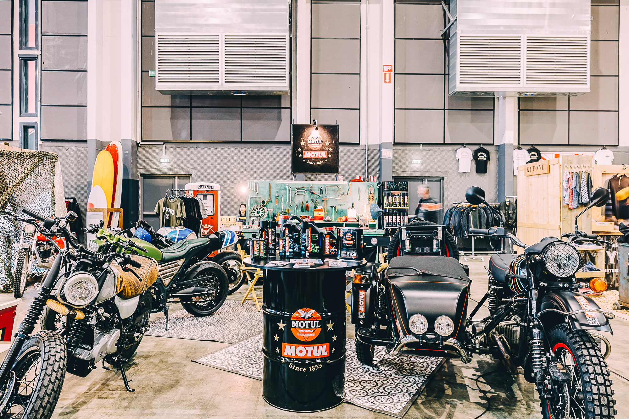 Wheels and Waves : The inveitable event of retro motorcycles