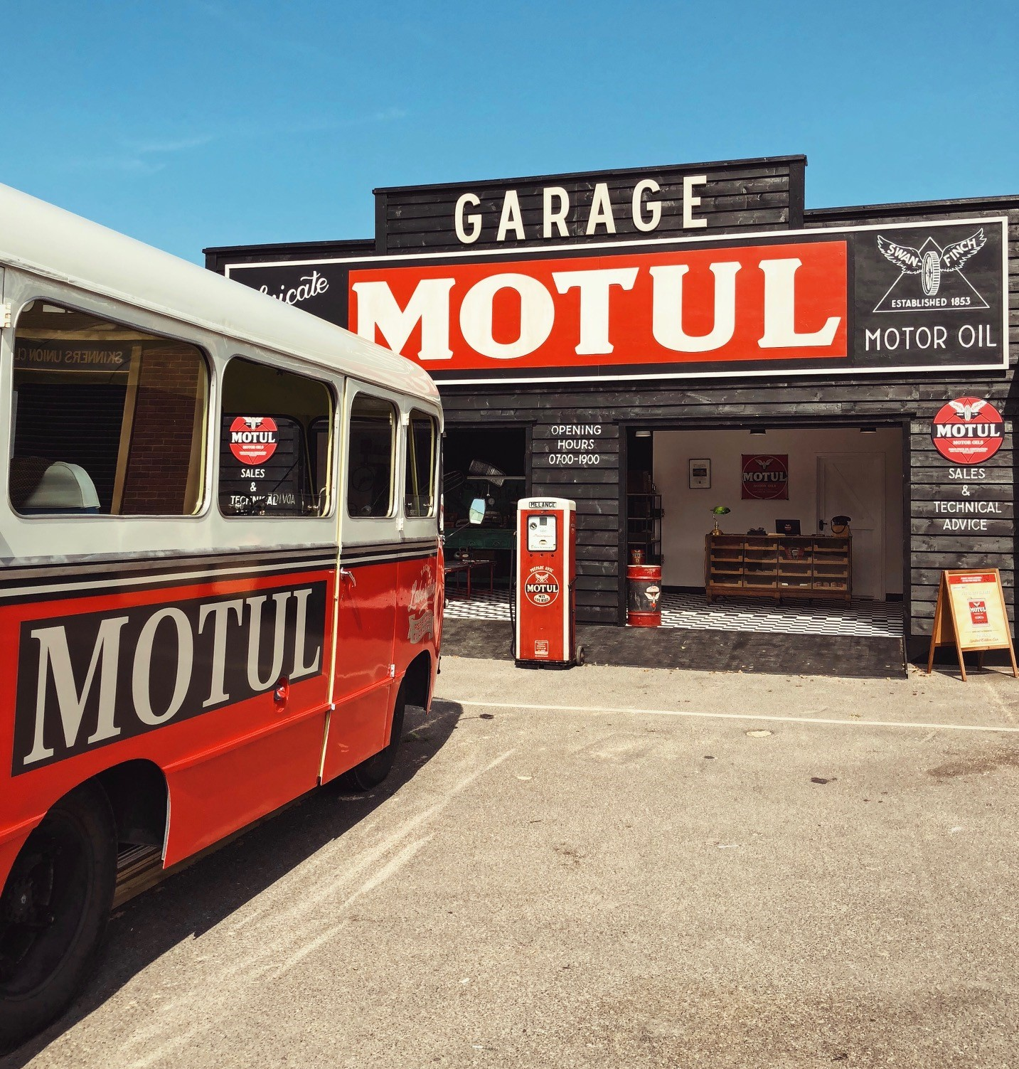 The Motul Guide to the Goodwood Revival