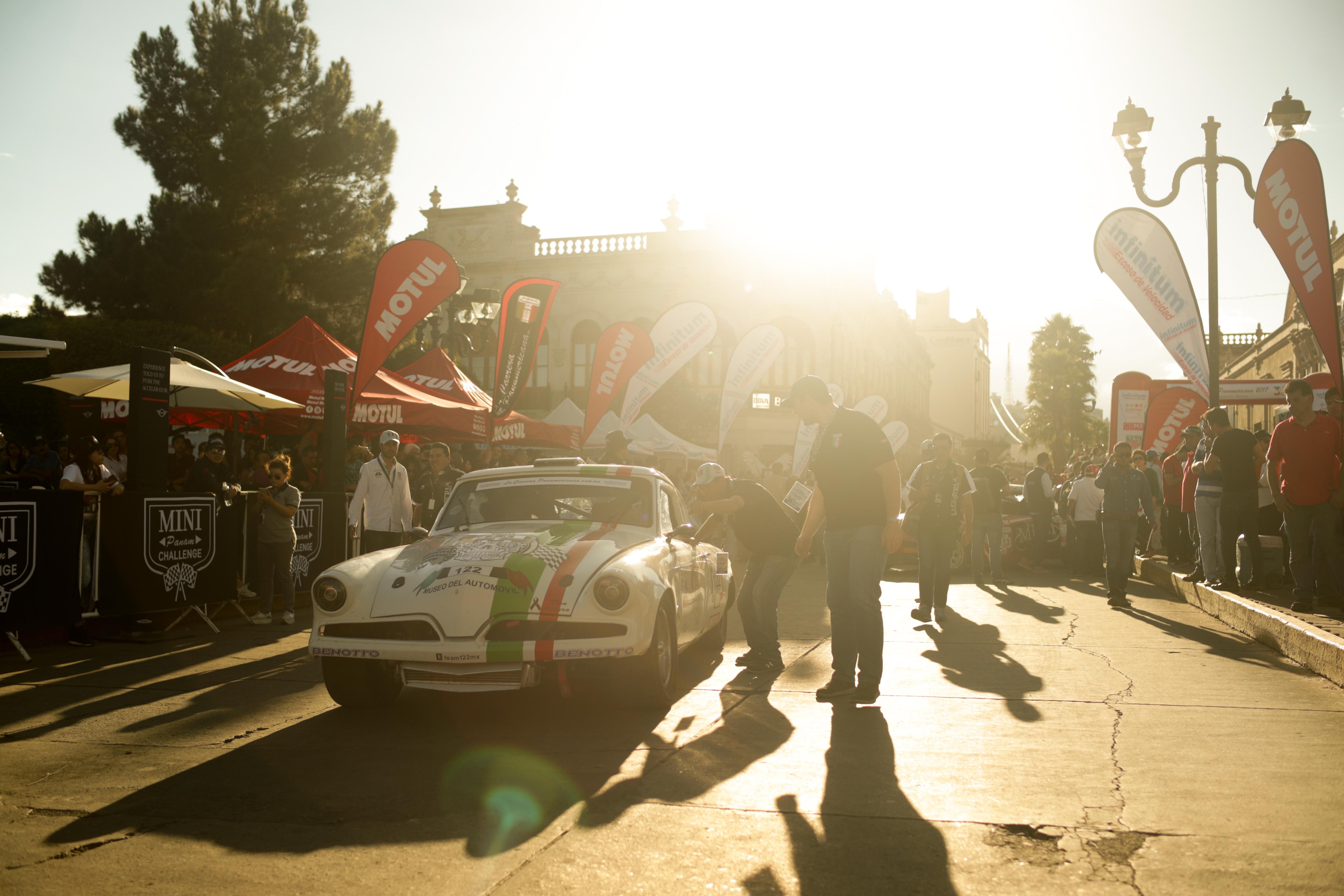 La Carrera Panamericana ¡Arriba Motul !
