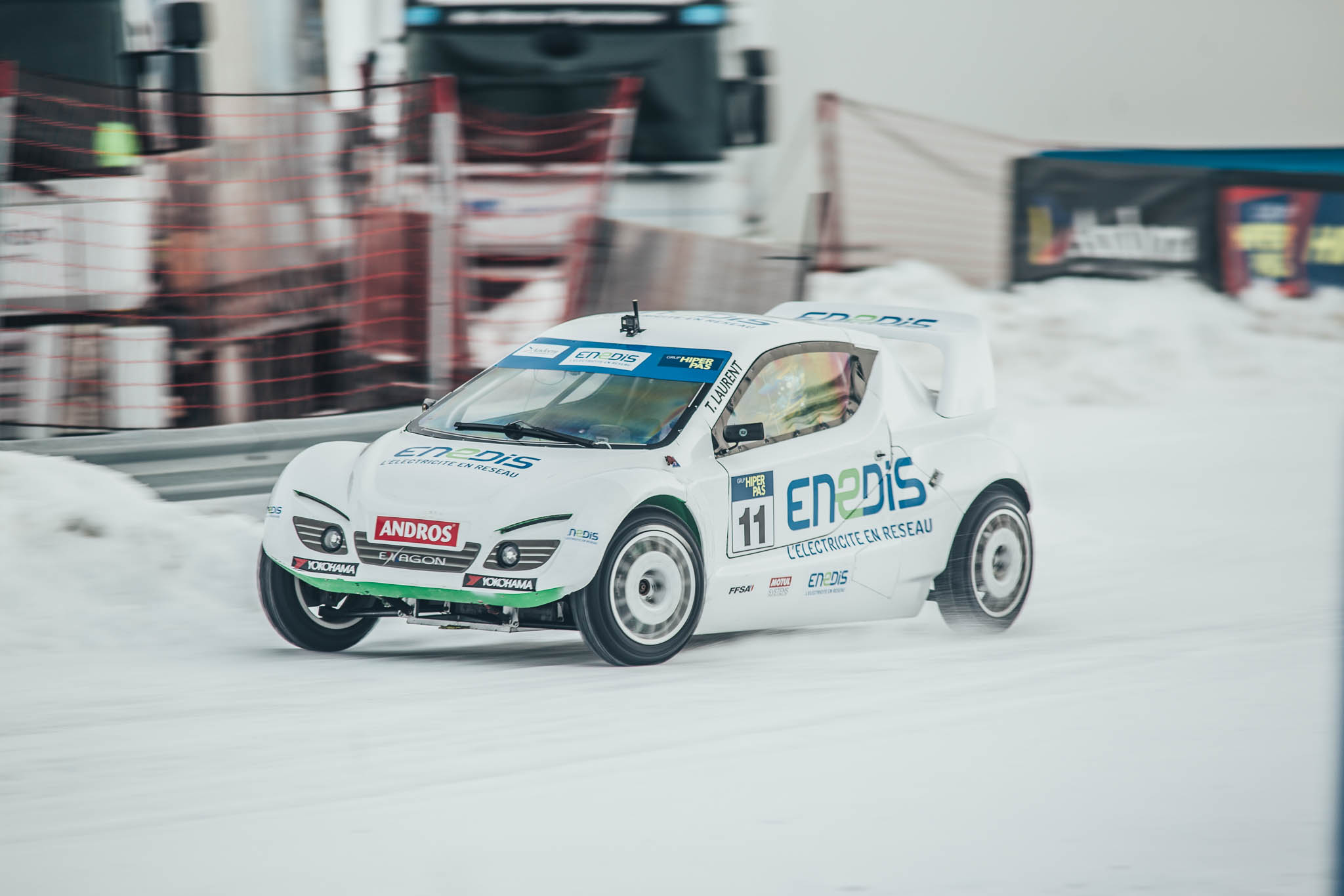 Thomas Laurent about racing on ice: it feels a bit like dancing