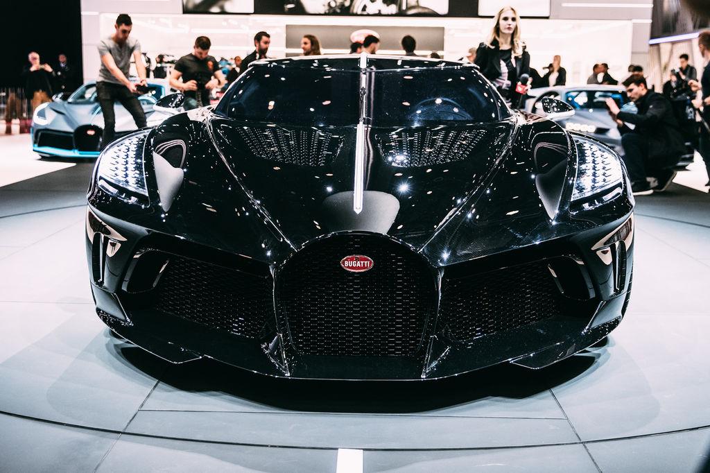 2: Bugatti La Voiture Noire