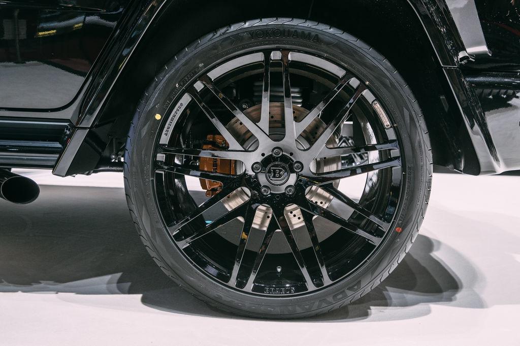 Eure Autos haben viel Leistung. Was tut ihr, um sicherzustellen, dass sie auch kontrolliert werden kann?