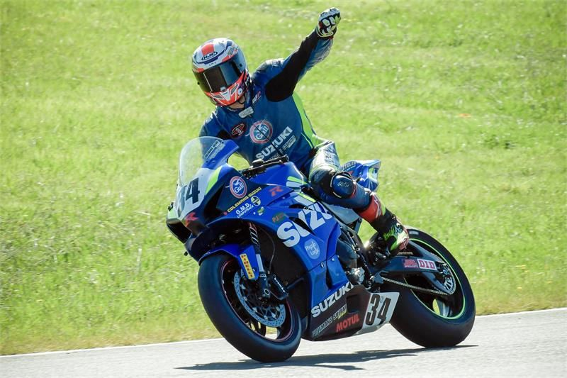 Daniel Mettam takes the New Zealand Superbike Championship title!