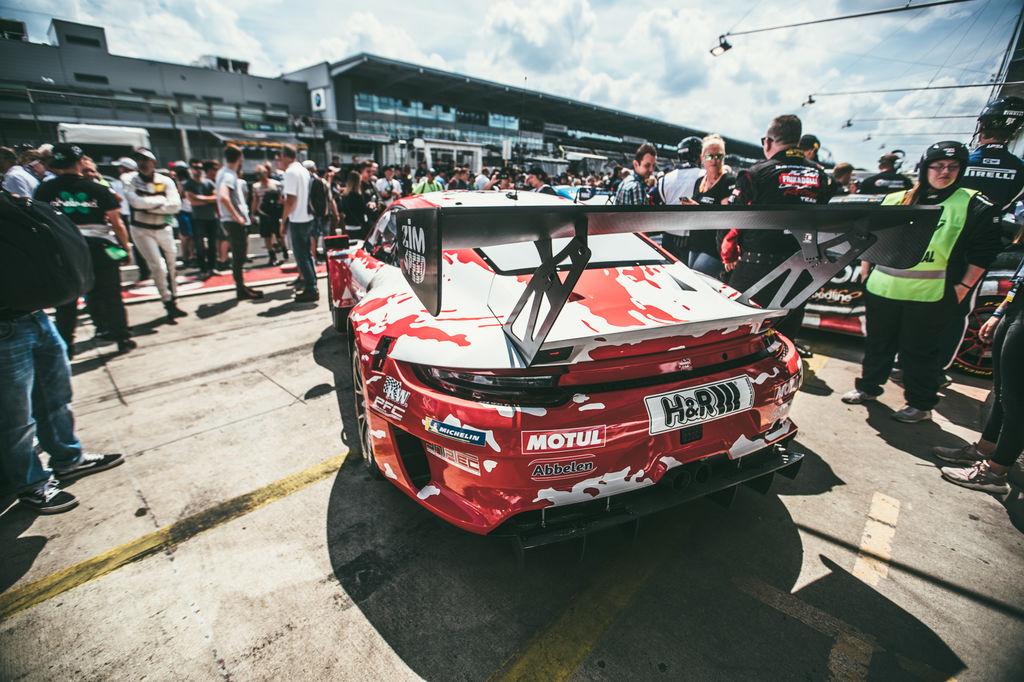 Unlucky Frikadelli Racing