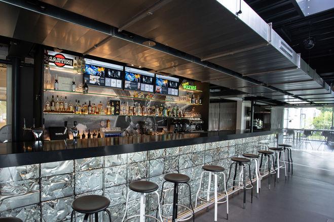 An der Bar ist immer ein Platz frei
