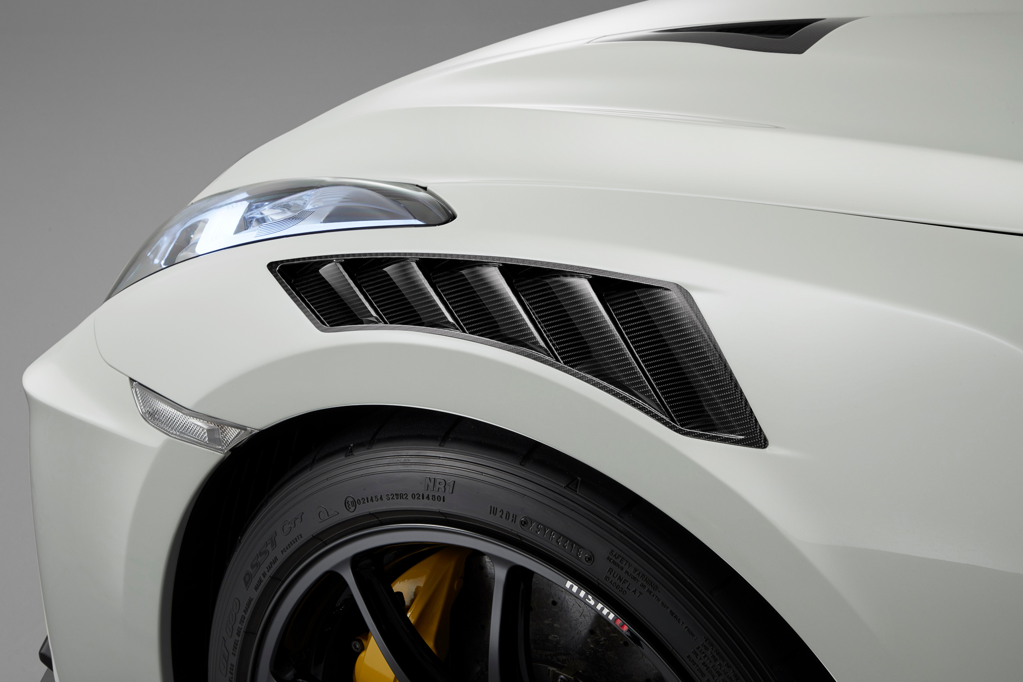 Extensive application of carbon fibre reduces overall weight