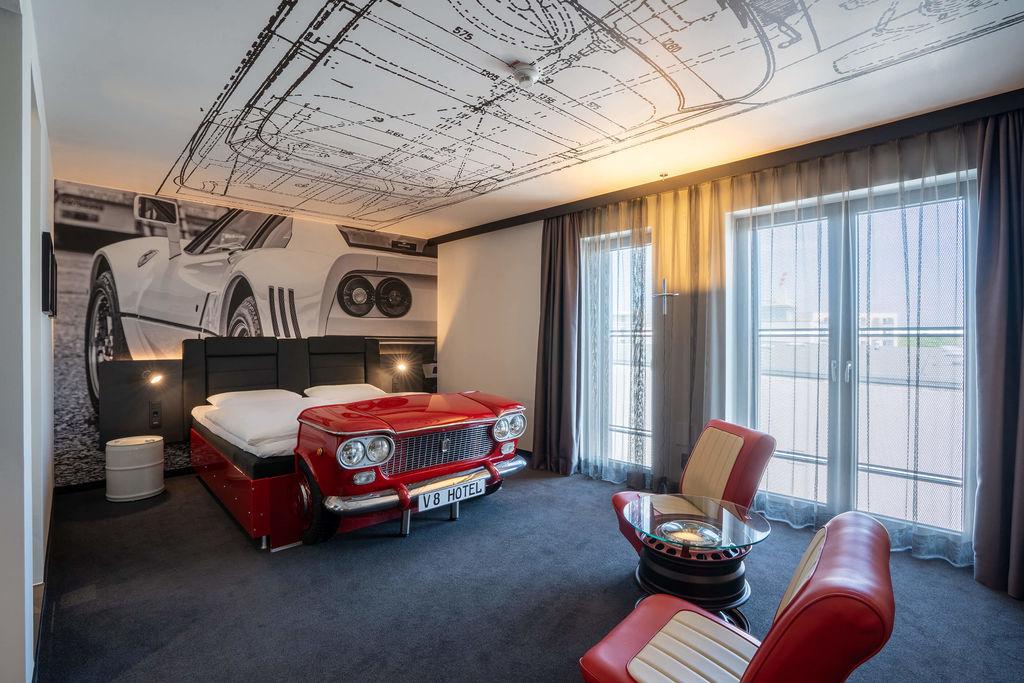 Gewinnen Sie eine Nacht im V8 Hotel