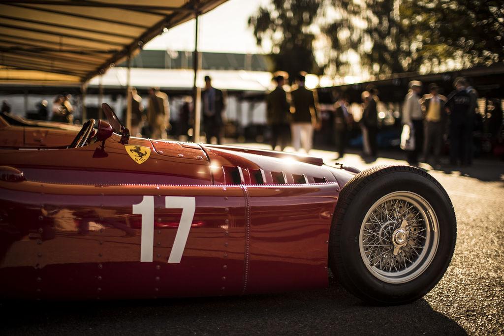 Cuando amas tu coche clásico, ¡trata su motor con lo mejor!