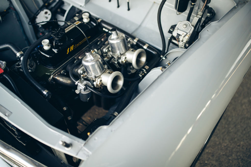 Baptiste, por qué los motores históricos requieren lubricantes especialmente diseñados?