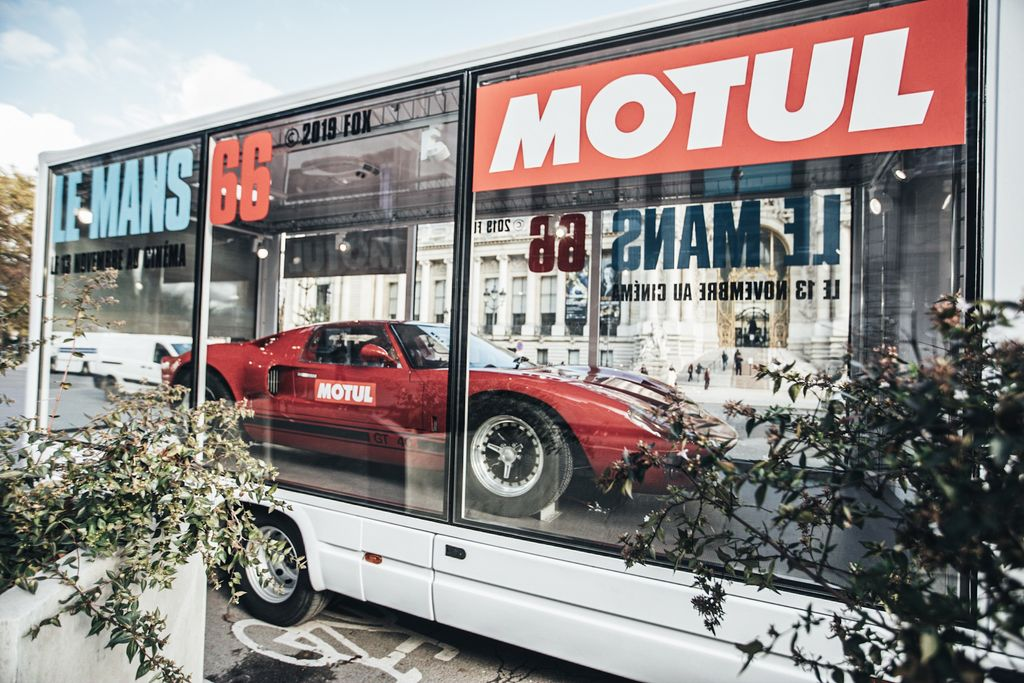 LE MANS '66, THE MOVIE. THE CLASSIC FORD GT40 PARADES THROUGH PARIS