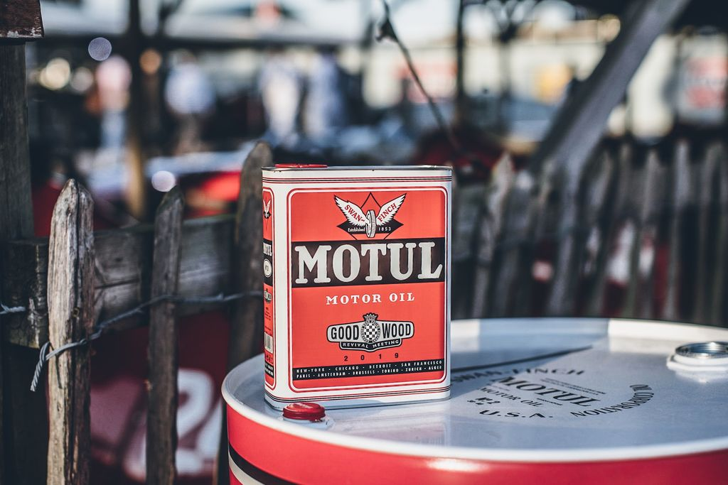 MOTUL LIMITED EDITION OIL CANS