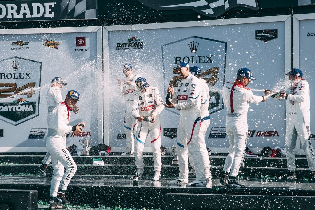 MOTUL BMW PARTNERSHIP TRIUMPHS AT DAYTONA FIRST TIME OUT