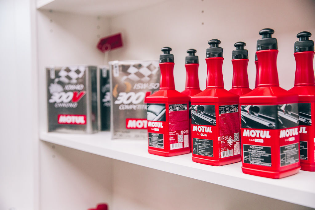 Rétromobile 2020: Motul pays homage to the stars
