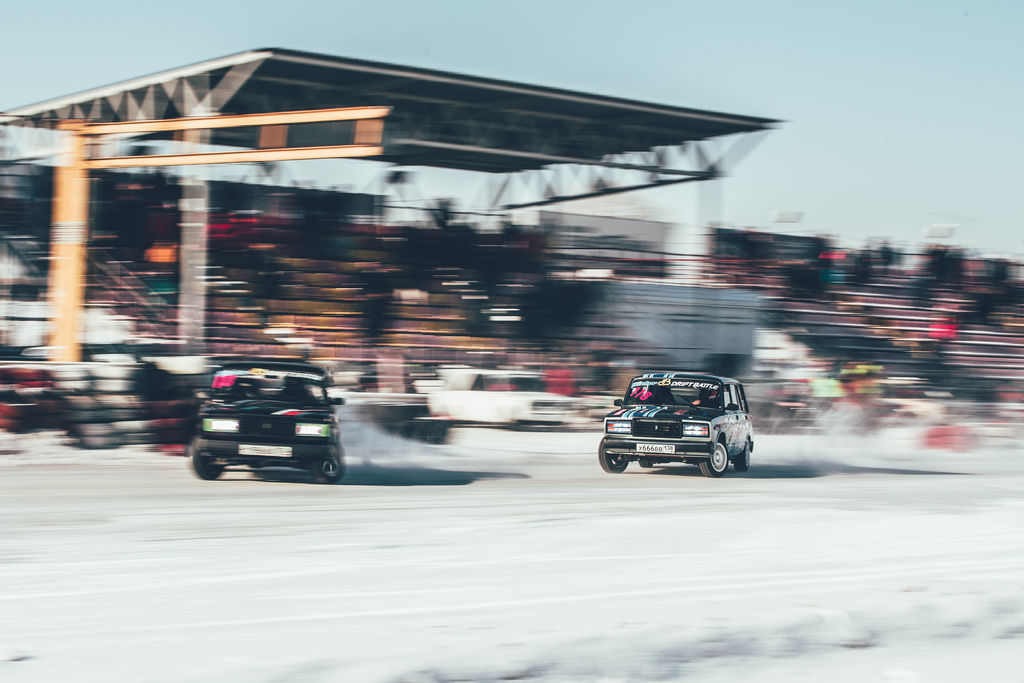 Winter Drift Battle: drifting Ladas is serious business!