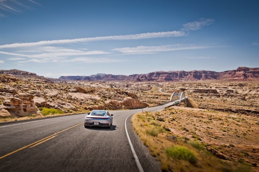 Curves Magazine: the essential travel guide for road trippers
