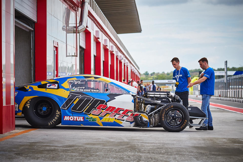 "Drag racer Andrey Kravchenko: ""It is crazy fast"""