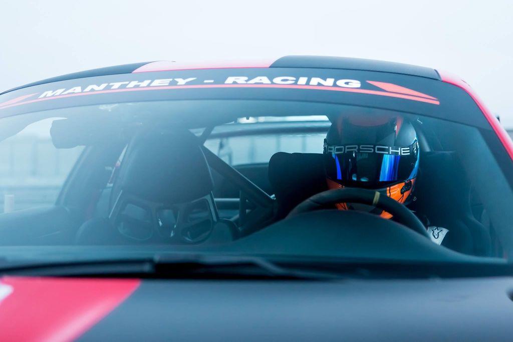 LARS, Du hast eine andere Hintergrundgeschichte als die meisten Rennfahrer. Kannst du uns mal durchführen?