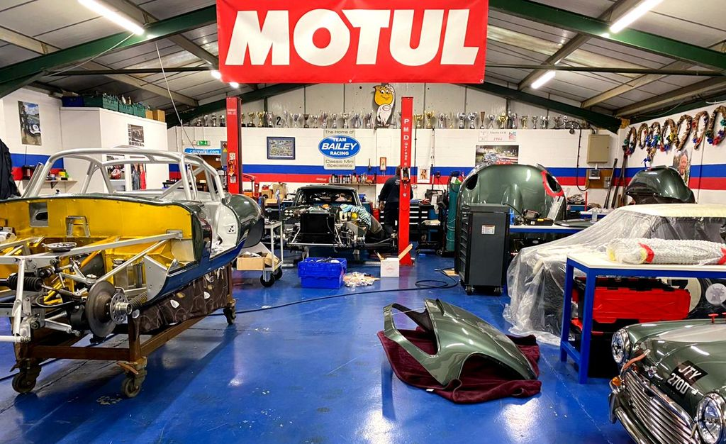 What does Snetterton Speed Shop do?