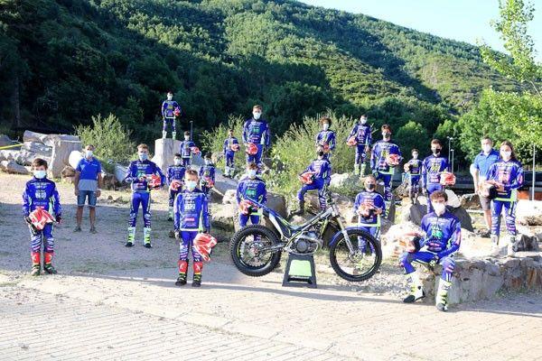 La nueva generación de pilotos pertenecientes a la escuela de formación de nuevos y jóvenes talentos de Sherco