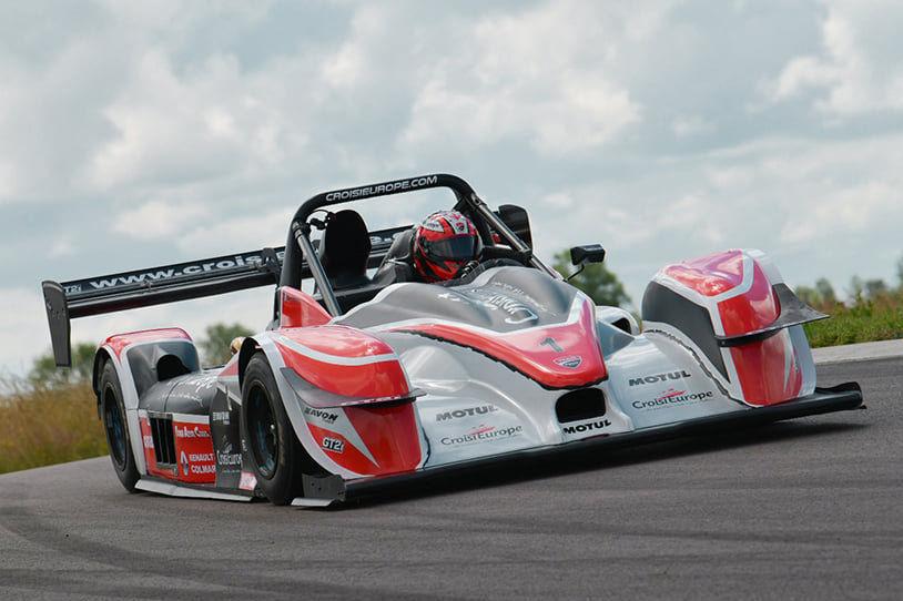 Quel effet cela procure-t-il de conduire de puissantes voitures de montagne comme le RS01 et la Nova ?