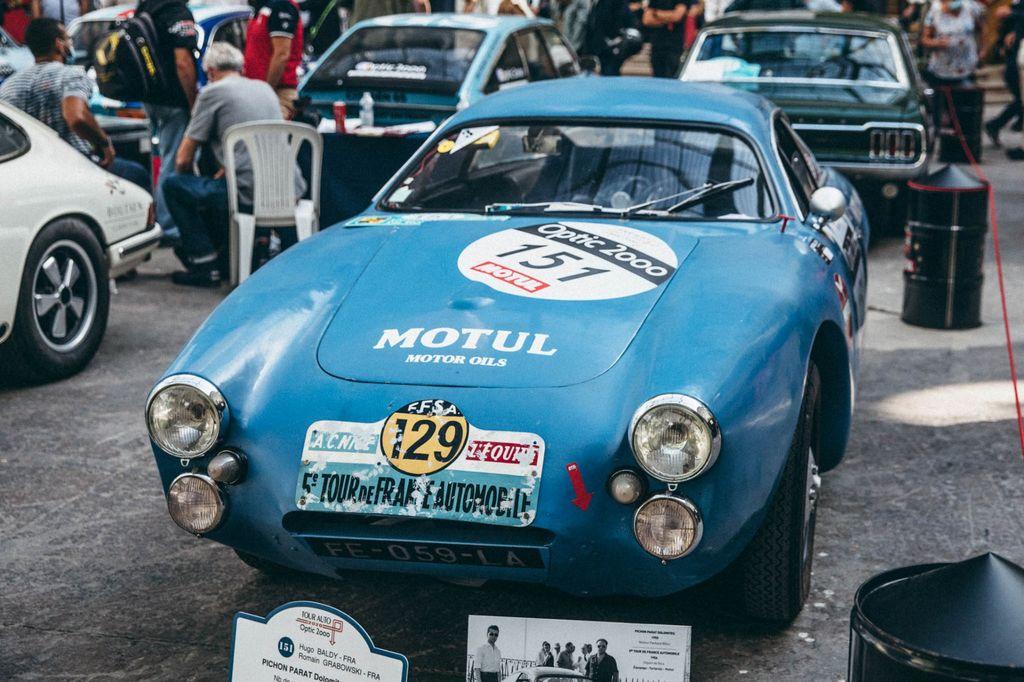 Romain, pour ceux qui ne connaissent pas le Tour Auto, qu'est-ce que c'est?
