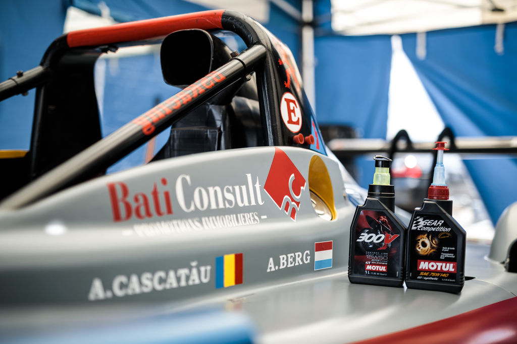 In what way does Motul support you and how does the partnership add value to your racing?