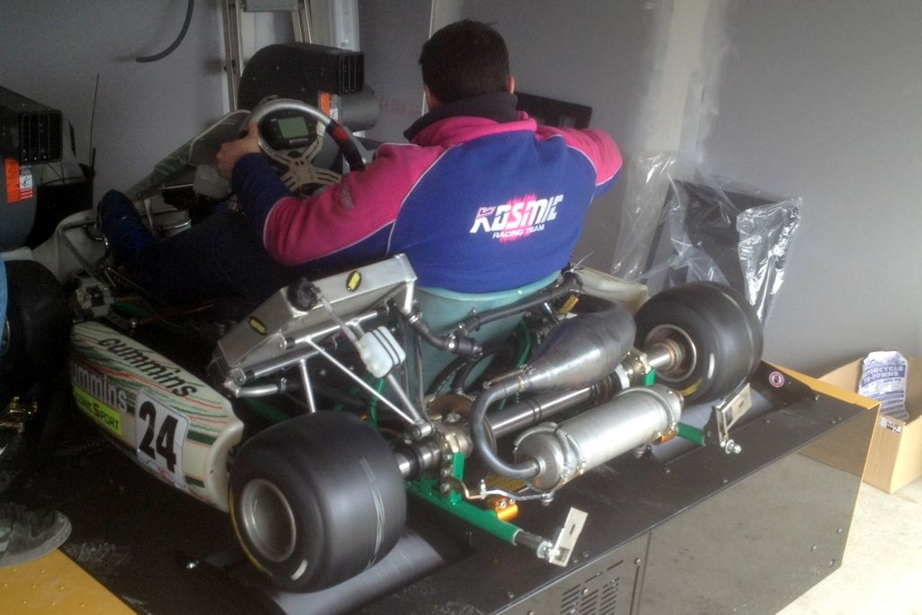 Vous avez été décrit comme l'un des meilleurs fabricants de moteurs de karting au monde. Et une récente victoire au championnat du monde le confirme. Pouvez-vous nous raconter comment vous en êtes arrivé là ?