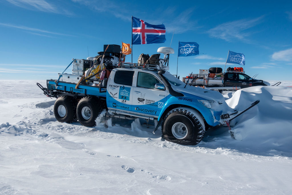 Emil, kannst du uns mehr zu Arctic Trucks erzählen?