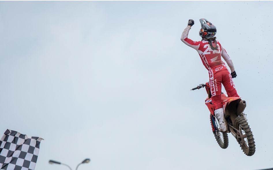 Tim Gajser conquista otro título mundial de MXGP junto a Motul!