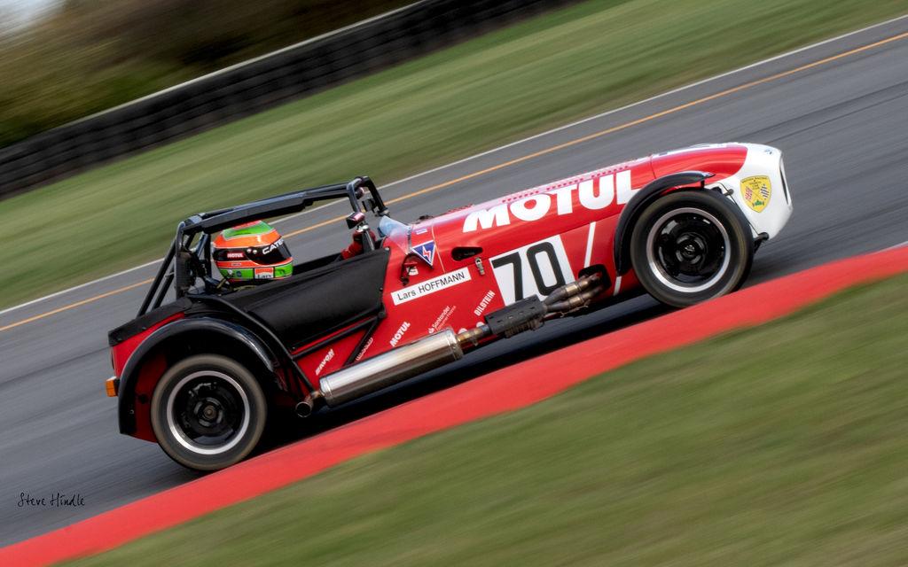 LARS HOFFMANN ist CATERHAM MOTORSPORT CHAMPION 2020