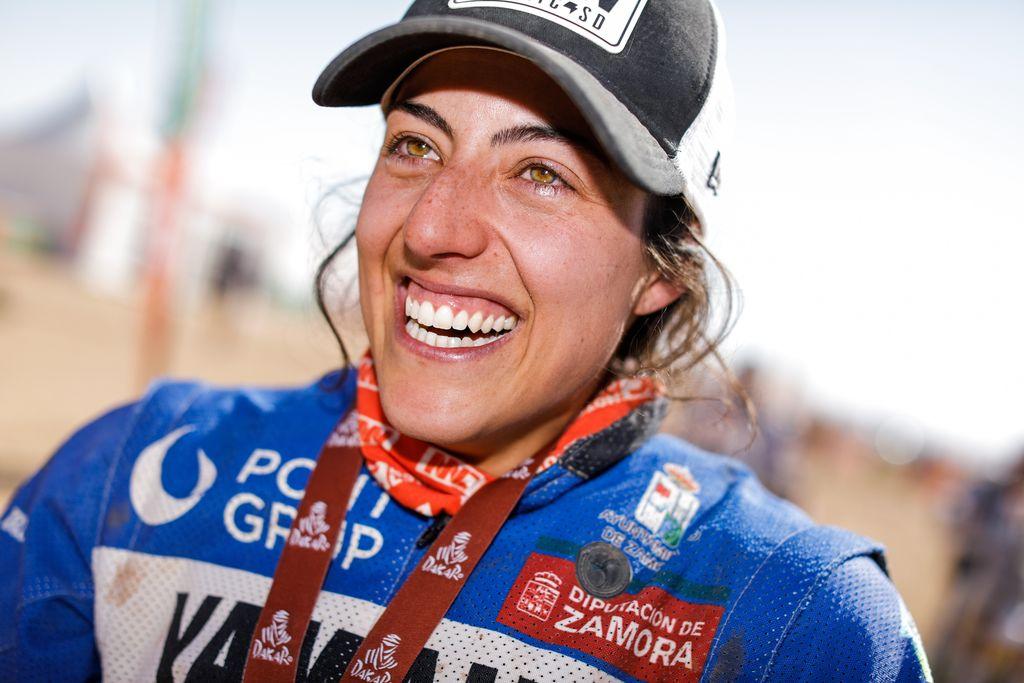 Tras debutar en el Dakar por tercer año consecutivo y en la categoría más dura, ¿cómo afrontas el reto este año de ser la única mujer en esta categoría? ¿Qué objetivos te has marcado?