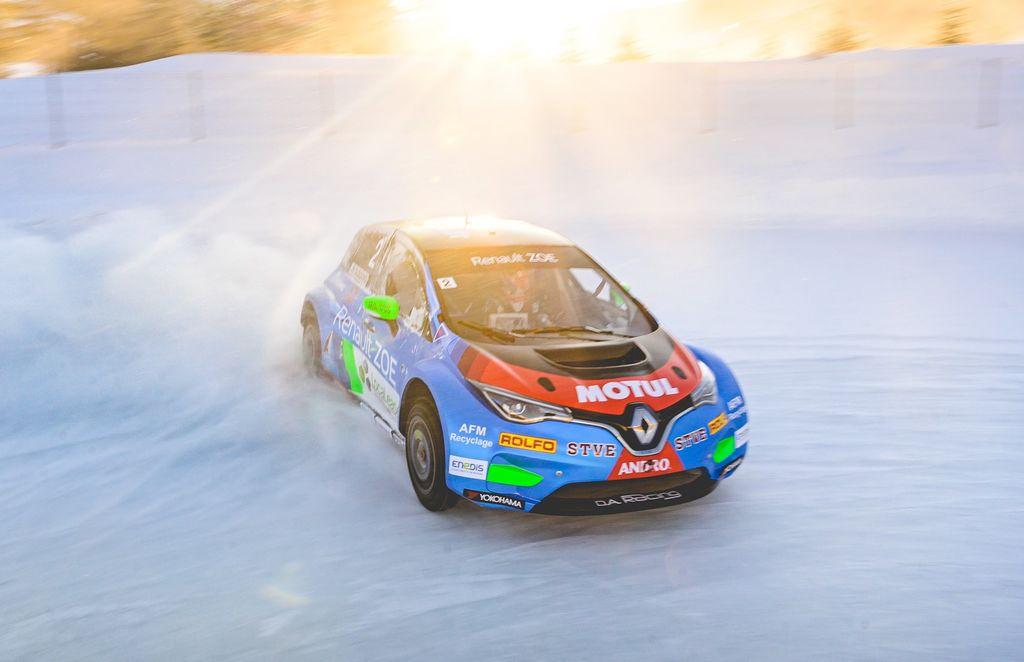 Vous êtes de retour sur la glace avec la Renault ZOE et l'année dernière a été sa première. Qu'est-ce qui a changé sur la voiture ?