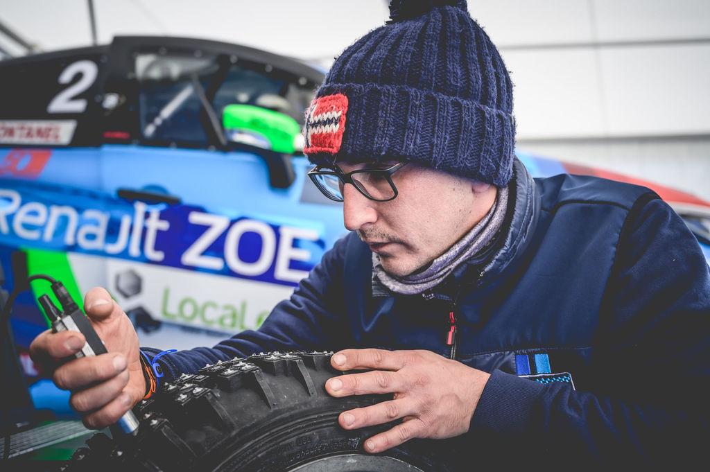 Tu cours à la fois en Rallycross et au e-Trophée Andros. En quoi la glace compte-t-elle pour toi ?