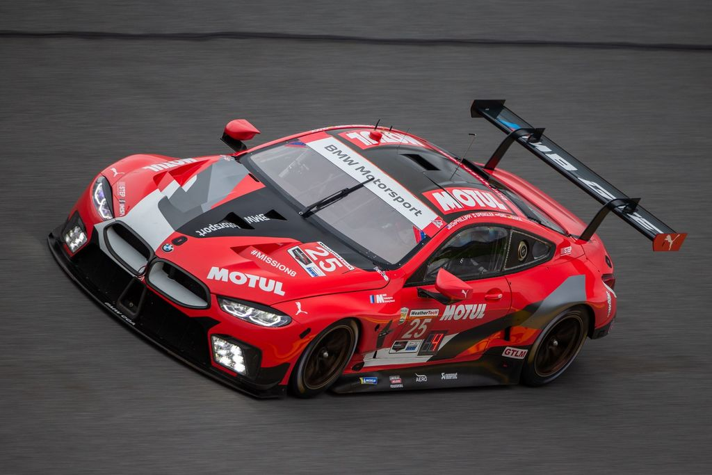 THE SECOND YEAR BMW MOTORSPORT AND MOTUL PUSH FOR VICTORY