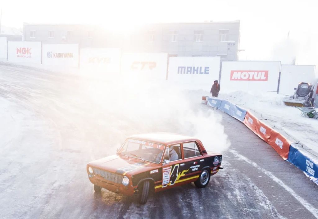 Most of the participants are top tier drifters such as Yevgueni Losev, who won again this year. What makes them flock to drifting Ladas?