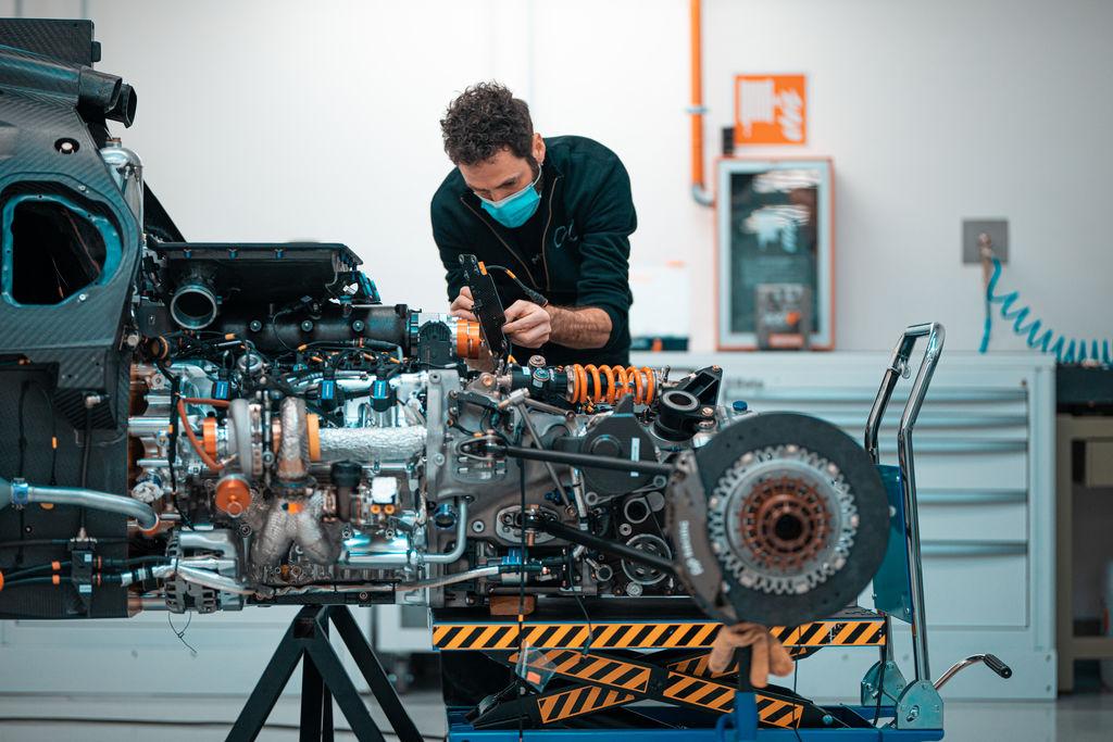 Luca, puoi raccontarci come sei coinvolto nella Glickenhaus Racing?