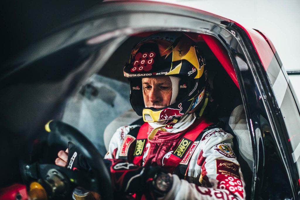 Has estado conduciendo y compitiendo mucho en los últimos años. ¿Ayuda ser copiloto?