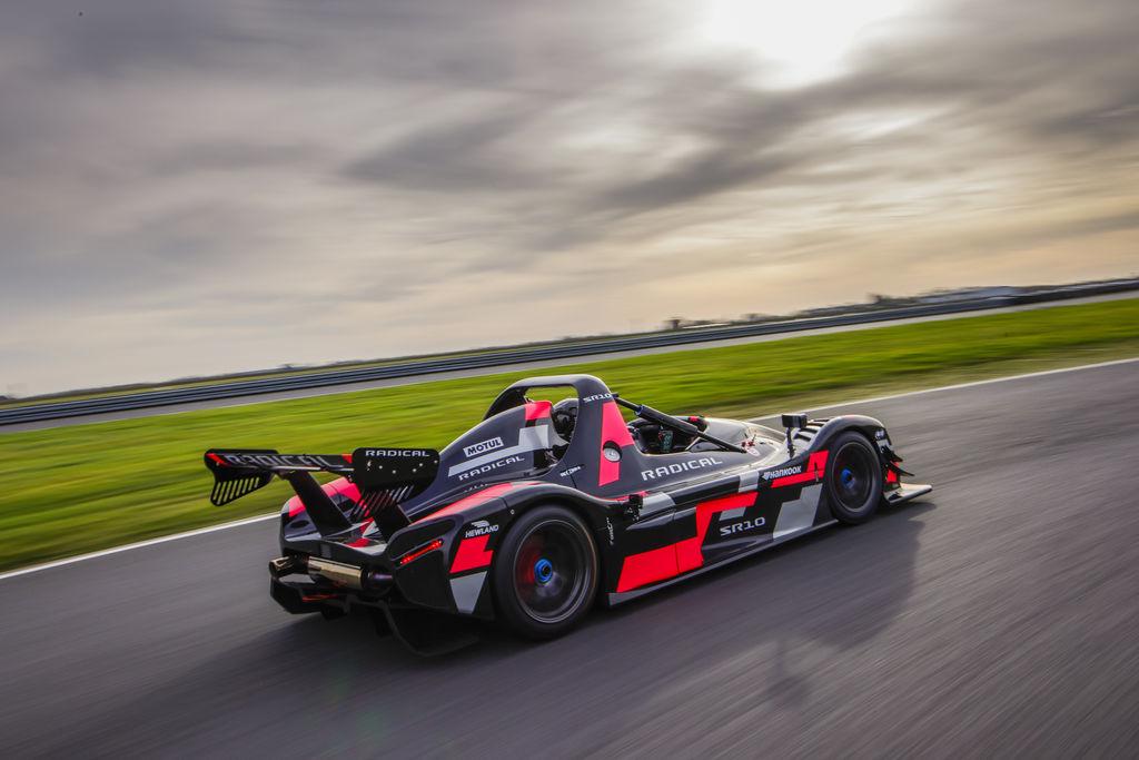 RADICAL SPORTSCARS: «SR3 быстрее, чем болиды BTCC»