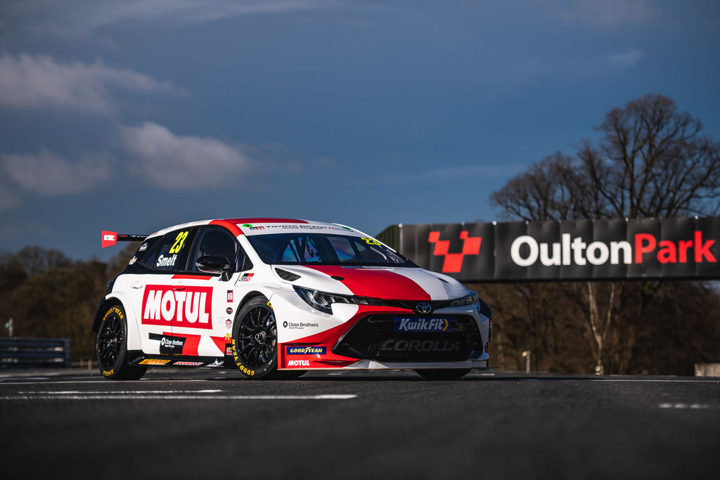STRIKING MOTUL LIVERY FOR NEW TOYOTA GAZOO BTCC COROLLA