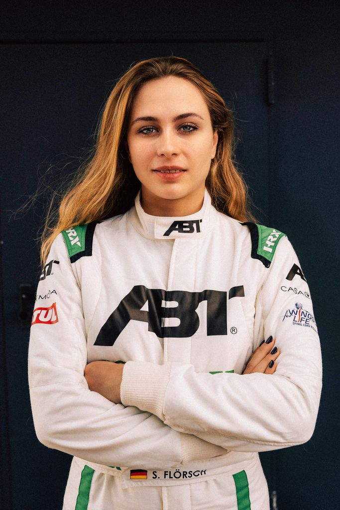 You are already a role model for your younger fans. Why are there so few women who drive in the top motorsport series?