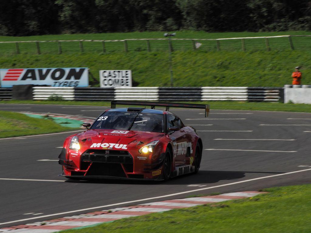 Культовый британский автодром Castle Combe Circuit и Motul стали партнерами