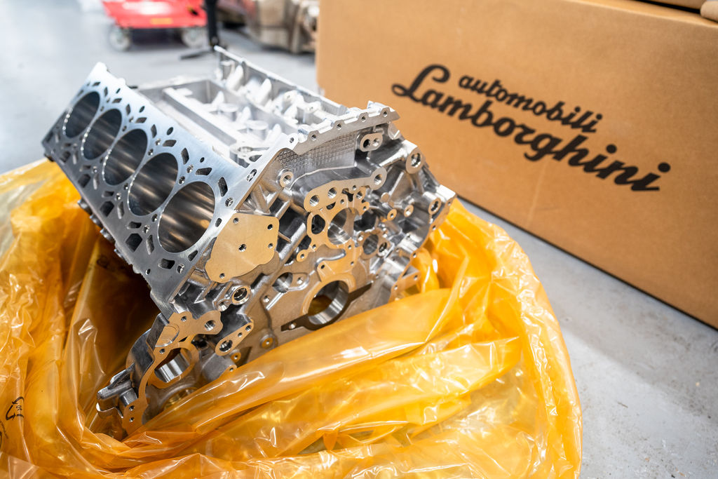 Motul участвует в постройке 1300-сильных двигателей для Lamborghini
