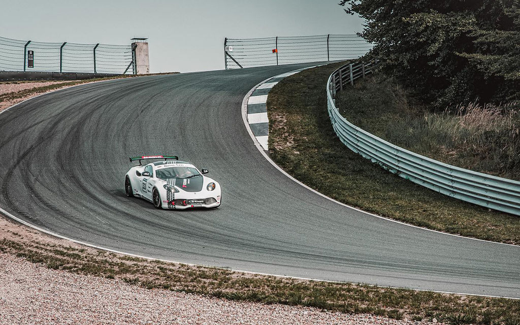 With TC Motorsport you organise track days, what are the ingredients for a perfect track day?