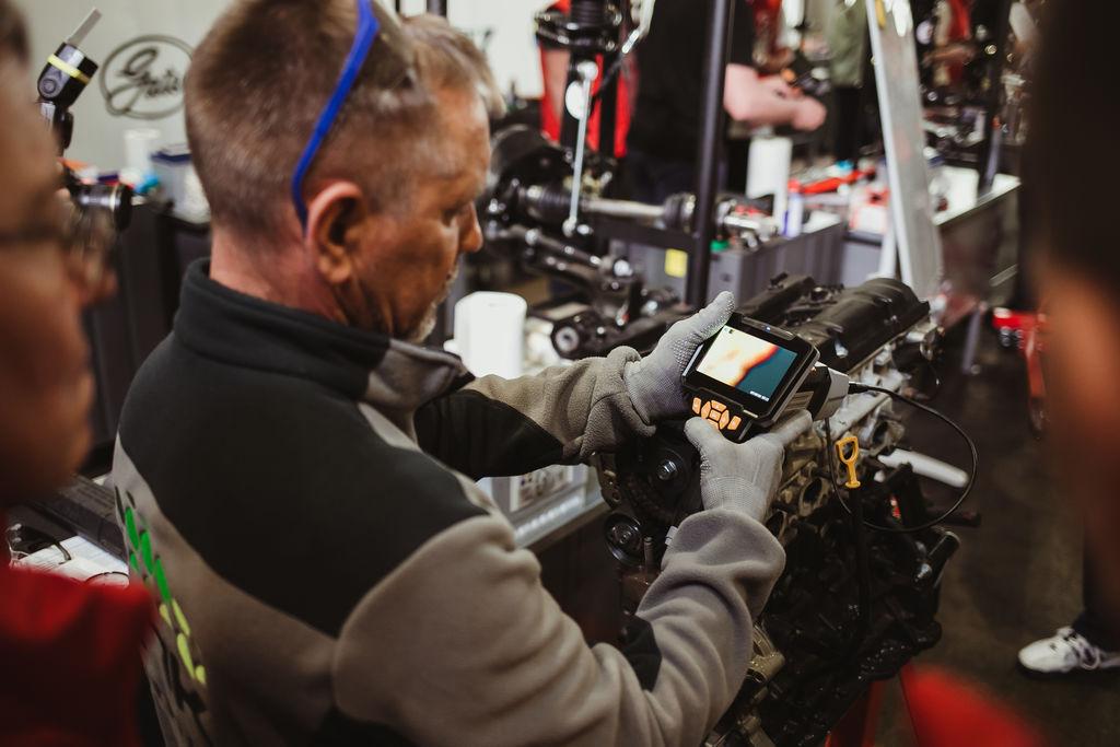 Компания MOTUL выступила партнером Чемпионата «Лучший автомеханик РФ 2020/21»