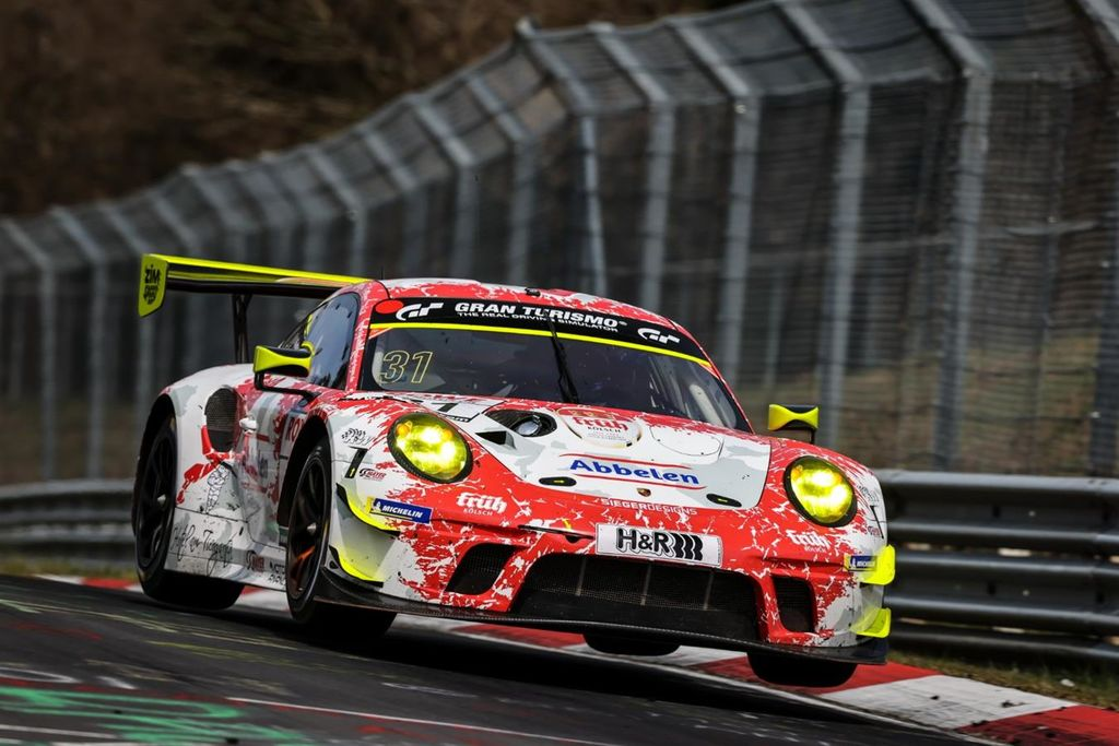 "Frikadelli Racing ohne Rennglück beim ""Eifel-Sprint"" auf dem Nürburgring"