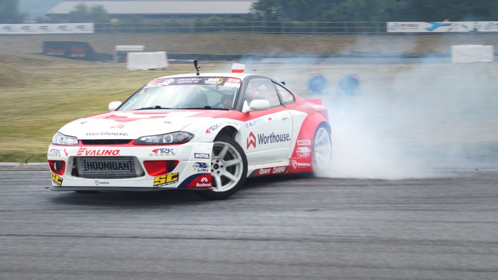 In terms of reliability, you recently teamed up with Motul. How are the products impacting your driving performance and the final competition result?