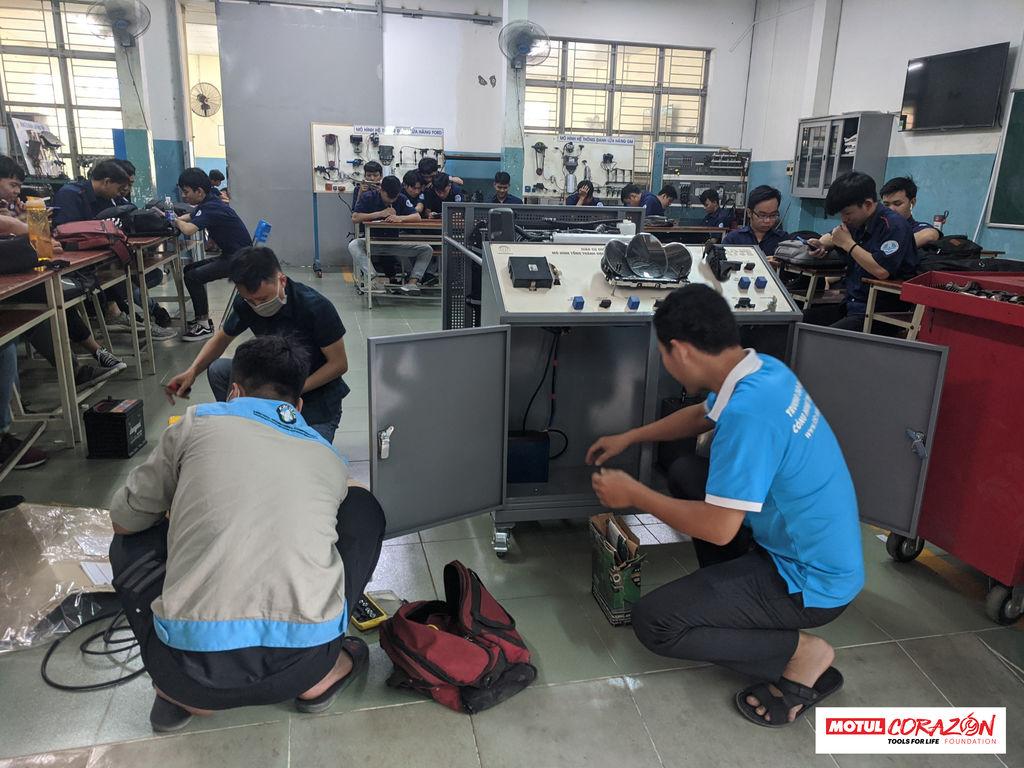 Motul Corazón supports future automotive technicians in Vietnam
