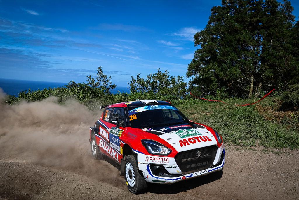 La victoria conseguida por Javier Pardo y Adrián Pérez dentro del ERC2 en el 55 Azores Rallye, les permite alzarse en cabeza en la clasificación provisional del Campeonato